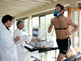 """在许多跑步训练方法中看到的""""最大耗氧量""""是什么意思?"""