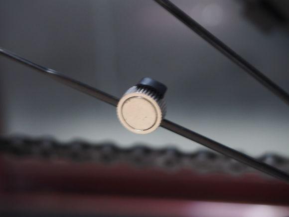 【图文】Fenix3配套配件踏频器的安装与连接教程