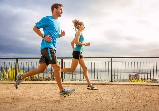 【马拉松训练】T强度训练能够有效扩展跑者的有氧区间!