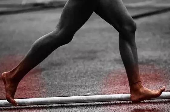 跑步膝盖痛是因为你跑的太慢?