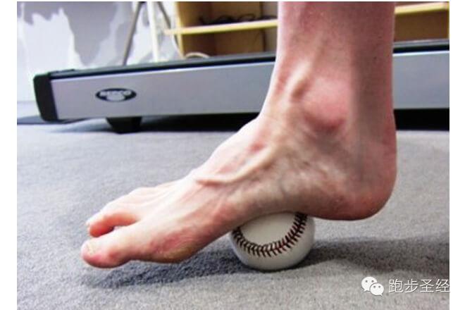 跑步常见七大伤害,膝盖疼、脚底板疼、摩擦……