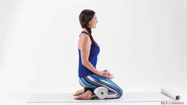 膝盖疼痛时怎么做瑜珈呢?